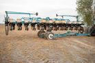 KINZE MOD 2300 TWIN LINE PLANTER